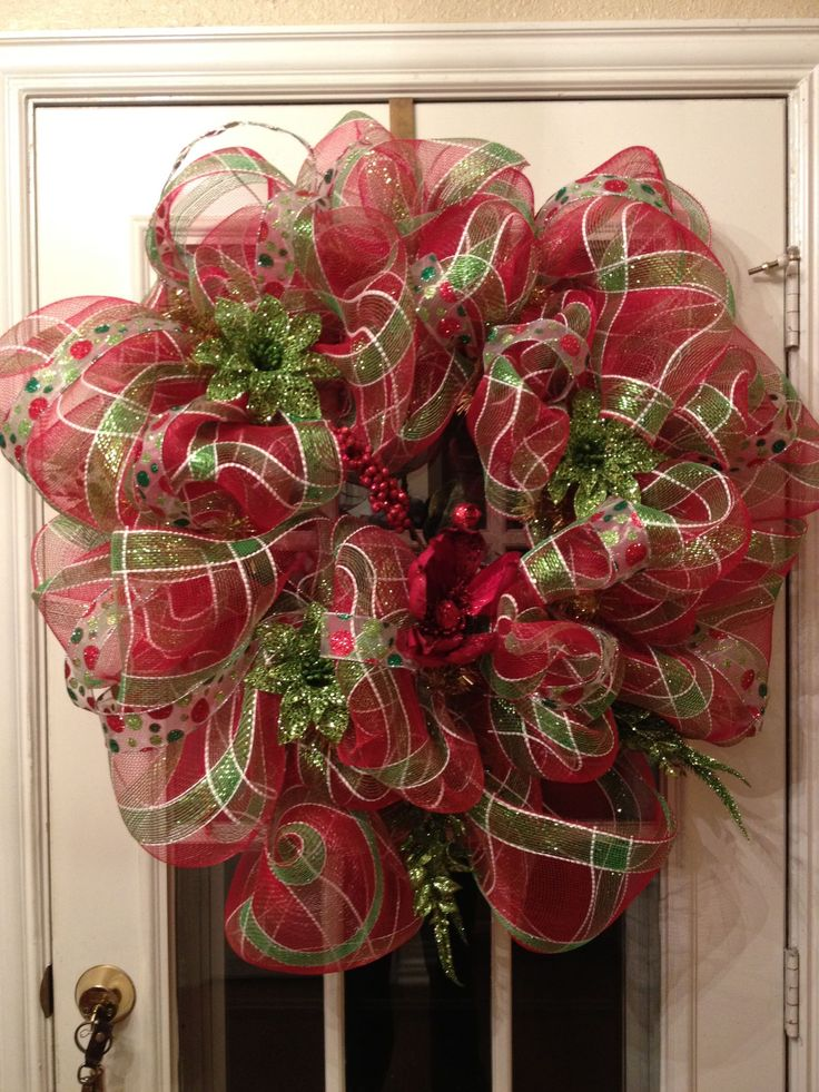 How To Make A Deco Mesh Wreath Must Do Pinterest