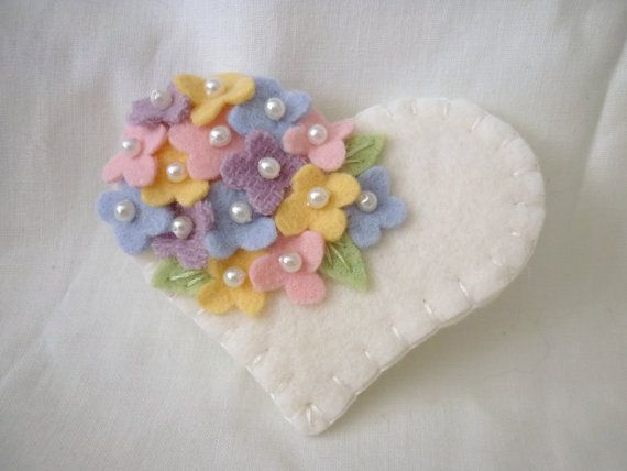 Felt flower brooch pin Valentines day beaded heart    Hello!  Welcome and thanks for stopping by.    This pretty heart pin is made from a top