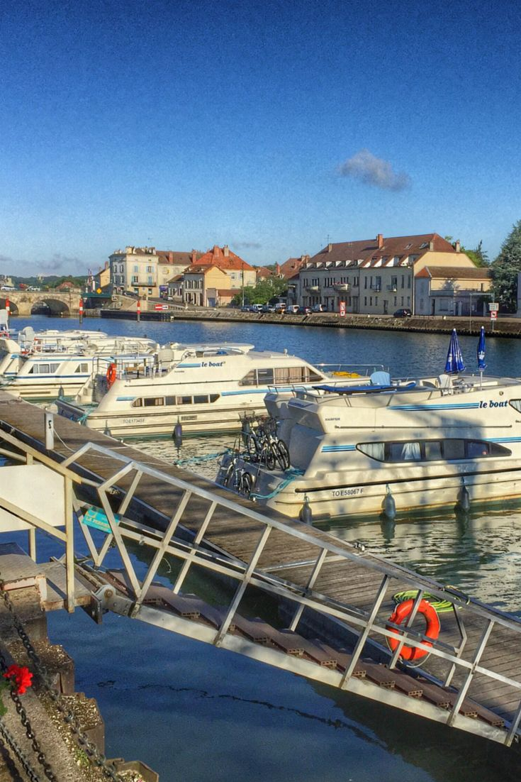 Hausboot-Reise in Frankreich: Impressionen und Tipps auf: http://www.cityseacountry.com/de/instagram-moments-the-beauty-of-house-boating-in-france/
