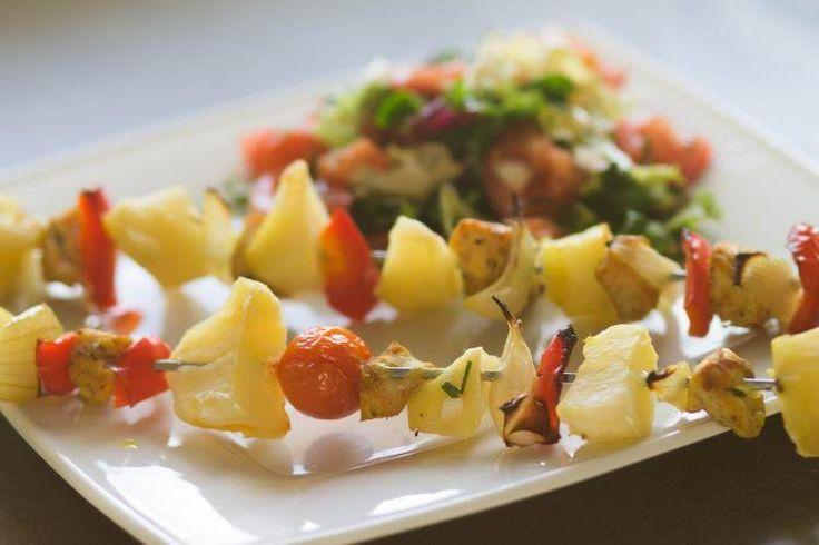 Szaszłyki drobiowe z papryką i ziemniakami