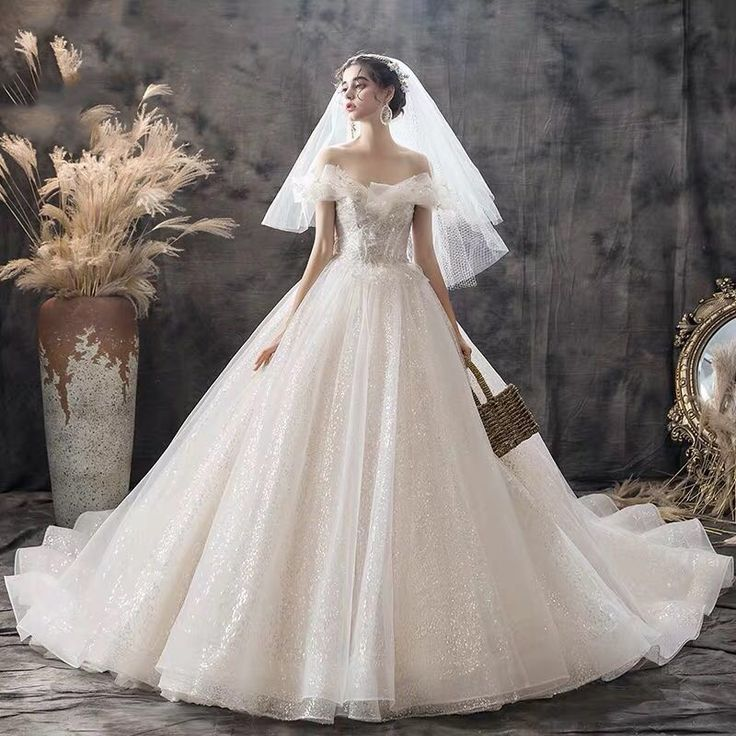 Lace shoulderless sleeveless long bridal dresses