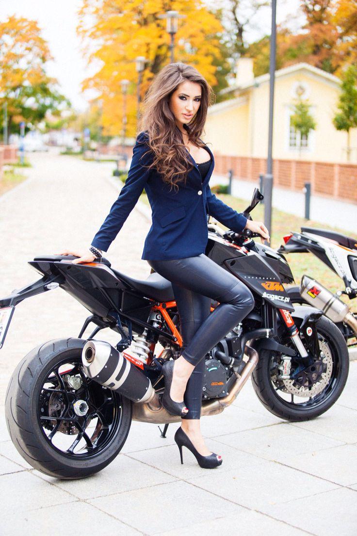 Motorcycle Hotties 76