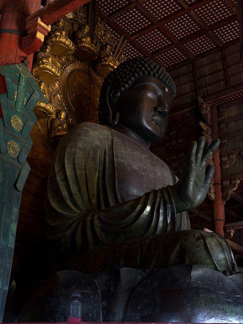 奈良の大仏 / Toudai-ji Temple   Flickr - Photo Sharing!