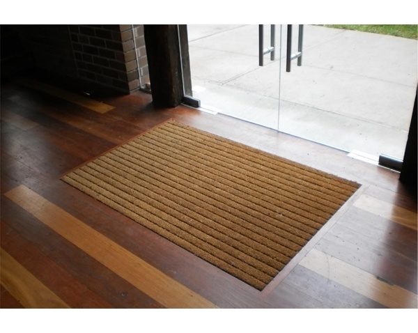 Recessed Cocoa Mat With Wood Trim