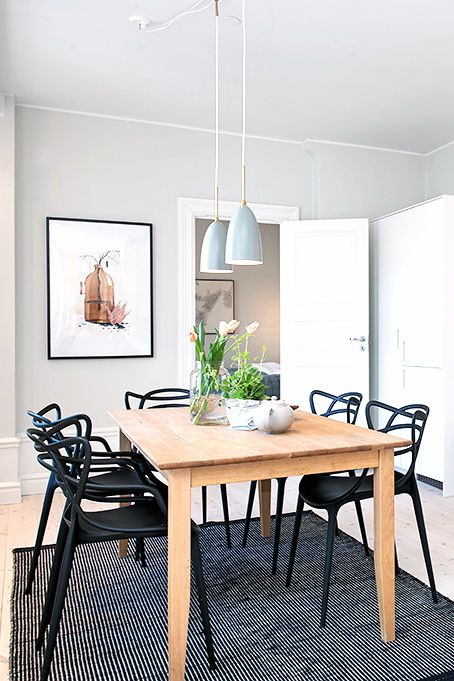 Via NordicDays.nl | Kartell Masters Chair | Dining Room