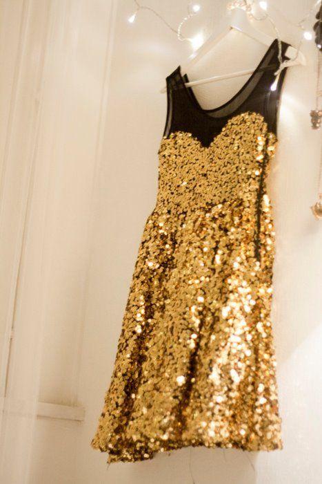 gold sequins <3