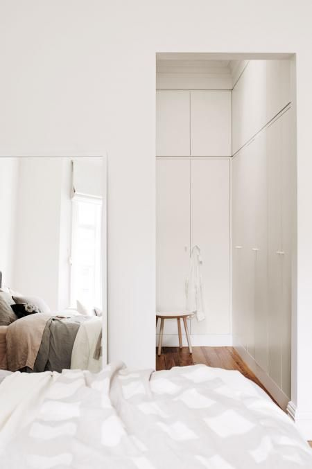 master-bedroom-home-tour-renovation-joseph-gardner-Prue-Ruscoe-Sept15