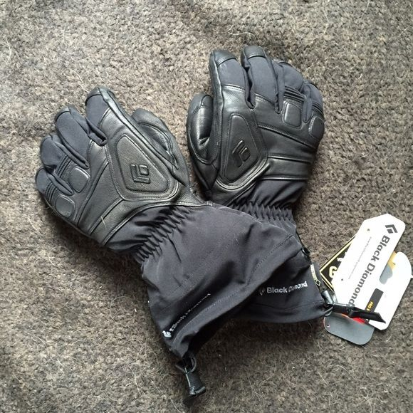 Gortex Black Diamond leather ski gloves Please refer to attached picture for details about this glove. It is a MANS large. So ladies here is a awesome gift for your skiing husband. Brand new with tags. Gortex Jackets & Coats