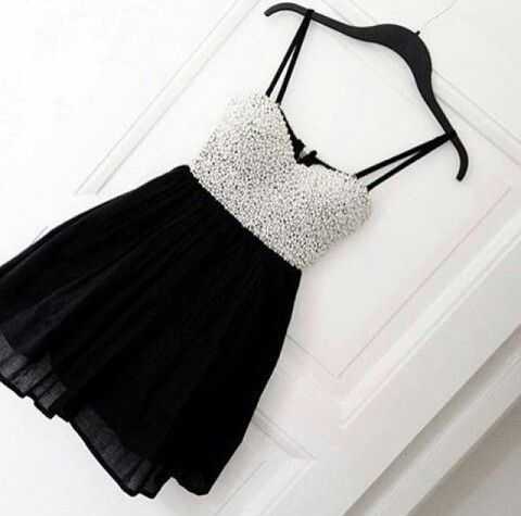 Mode / zwart wit / jurk / fashion / black white / dress / robe
