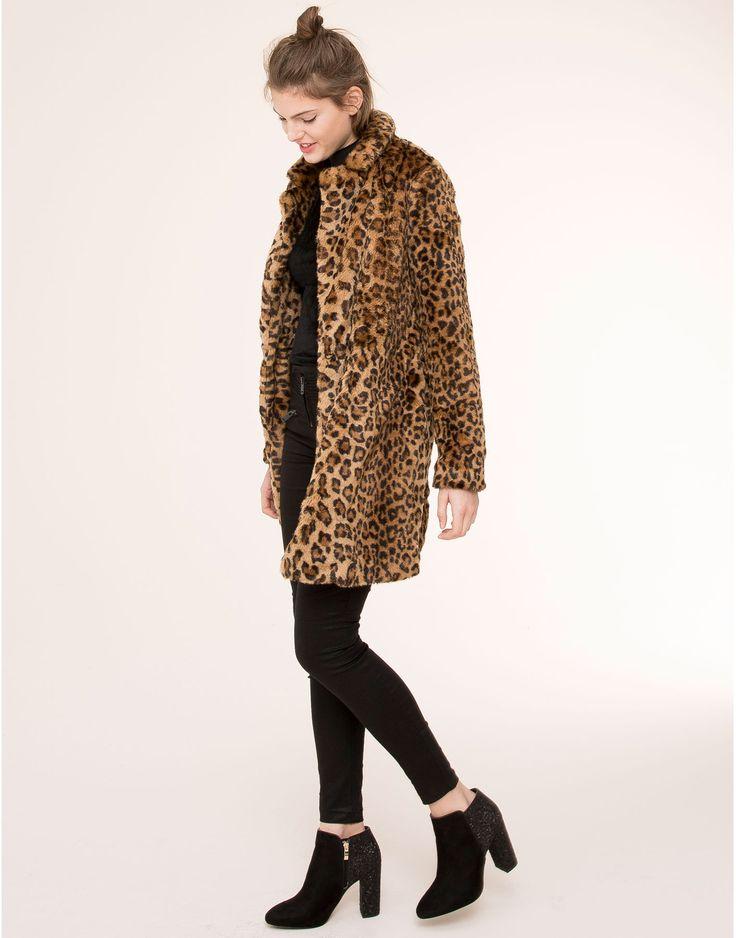 tienda de liquidación mejor proveedor material seleccionado abrigo pelo leopardo pull and bear