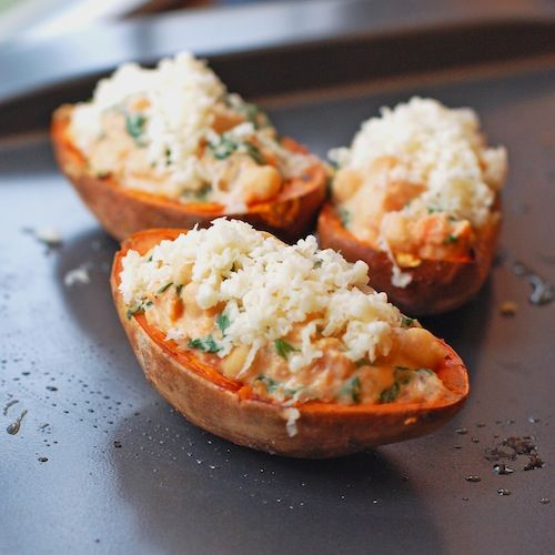 Healthy Sweet Potato Skins by pinchofyum: Filled with spinach, chickpeas, and cheese. #Sweet_Potato_Skins #pinchofyum