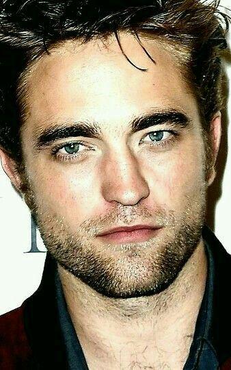 ~Robert Pattinson † @LorraineWilson †
