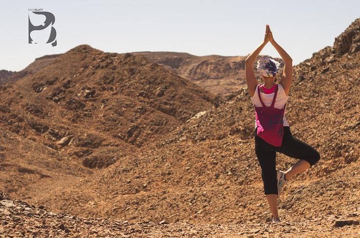 Yoga in the desert! http://www.bachblatt.de/Frauen/Accessoires/Bachblatt-Tragetasche.html