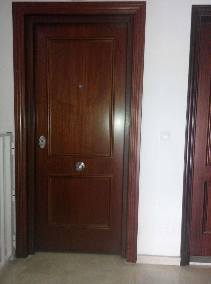 Detalle Exterior #Puerta #acorazada V200 Sapelly Rameado con cilindro K3 #antibumping La mayor #seguridad al mejor #precio