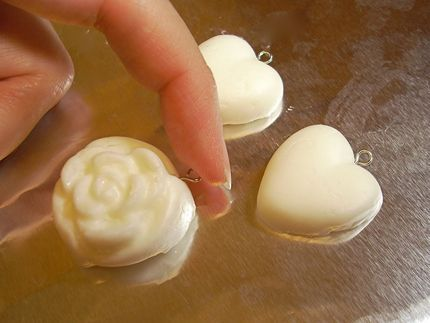 How to Make Cold Porcelain: 3/4 cup white glue + 1/2 cup water + 1 teaspoon cold cream (such as Pond's) + 1 teaspoon glycerin + 1 cup cornstarch, plus additional for dusting your hands