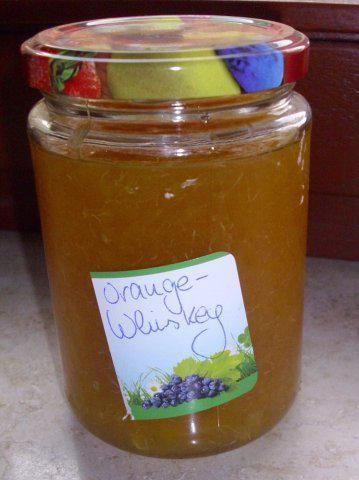 Das perfekte Orangen-Whiskey-Marmelade-Rezept mit Bild und einfacher Schritt-für-Schritt-Anleitung: 1. Die Orangen filetieren und in Stückchen…