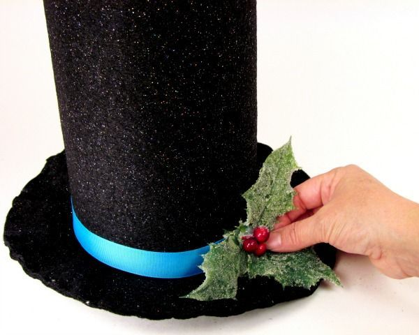 DIY Snowman Hat Tree Topper or table decoration thebearfootbaker.com