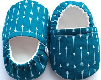 Blue Arrows Moccs, Baby Booties, Baby Slippers, Baby Crib Shoes, Baby Moccasins, Moccs, Baby Shoes, Soft Soled Baby Shoes