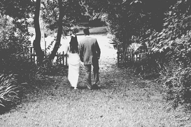 Black and white wedding photo idea. #garden wedding