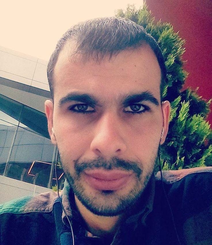İnsan en çok sevdiğine kırılırmış... Vesayrw vesayre vesayre... ��Kulağına küpe olsun,ben burdayım...�� #blog #oyuncu #vine #film #reklam #arkadaş #universite #genç #tiyatro #çay#istanbul #Manzaradem #yönetmen #gs #bjk #sanat#logo #video #ishakmerdo #polis #şiirsokakta #trump #yazar #turkiye #kayseri #blog #oyuncu #vine #film #reklam #arkadaş #universite #genç #tiyatro #üniversite #tbt #yönetmen #sanatetkinligi #forzabeşiktaş #alexandercalder…