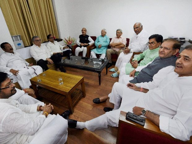 Presidential poll: BJP reaches out, confusion in Oppn ranks http://indianews23.com/blog/presidential-poll-bjp-reaches-out-confusion-in-oppn-ranks/
