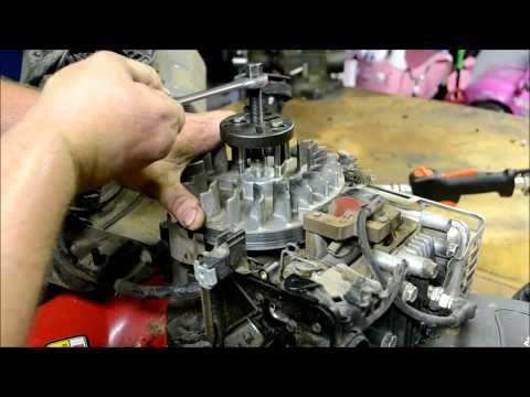 BRIGGS AND STRATTON LAWN MOWER ENGINE REPAIR : HOW TO DIAGNOSE AND REPAIR A BROKEN FLYWHEEL KEY - YouTube
