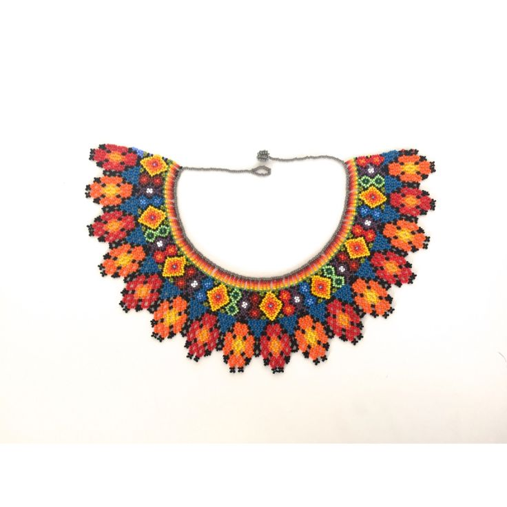 Collar Chaquiras realizado a mano por la tribu Embera de Colombia y Panamá
