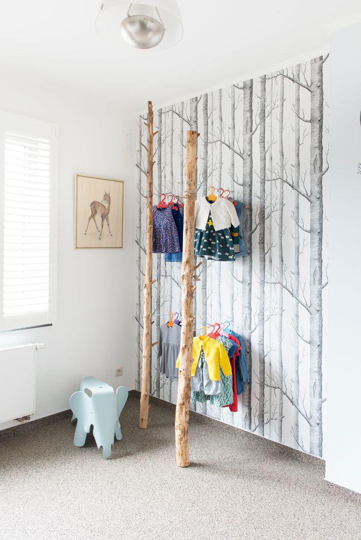 Prachtig behang voor de kinderkamer: Woods wallpaper van Cole and Son