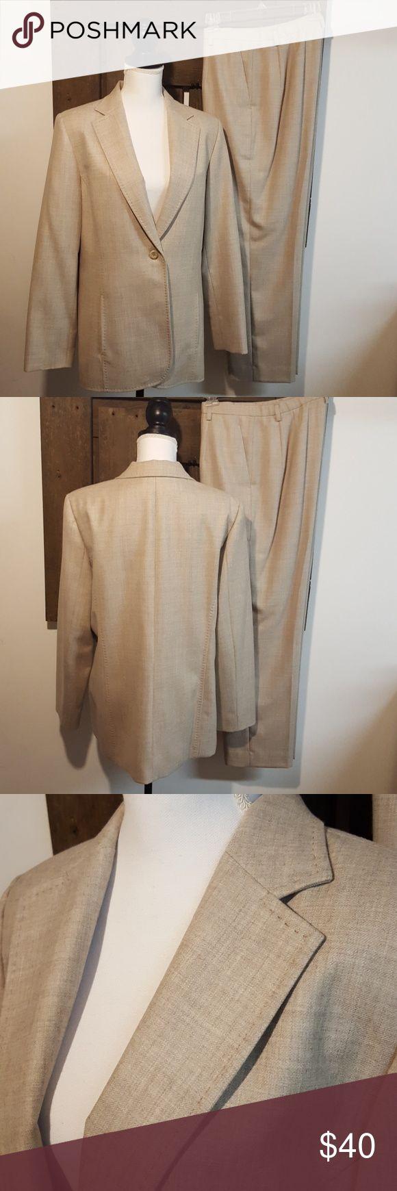 Pendleton Women's Petite Suit Set Beauriful cream colored Pendleton suit set. 100% virgin wool jacket and pants. Two slash pockets on the jacket and one button closure. Pants have zip/button closure and pockets. Both the jacket and pants are lined. In EUC. Pendleton Other