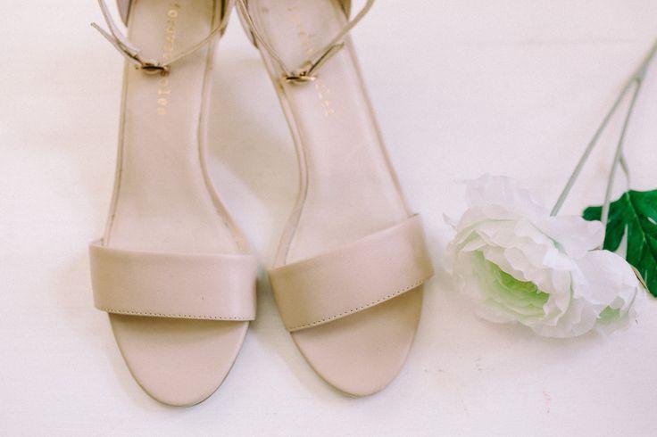 Wedding Morning / Wedding Shoes / Strappy Heels / Bride / John and Saara's Wedding. Photography by Maria Hedengren.