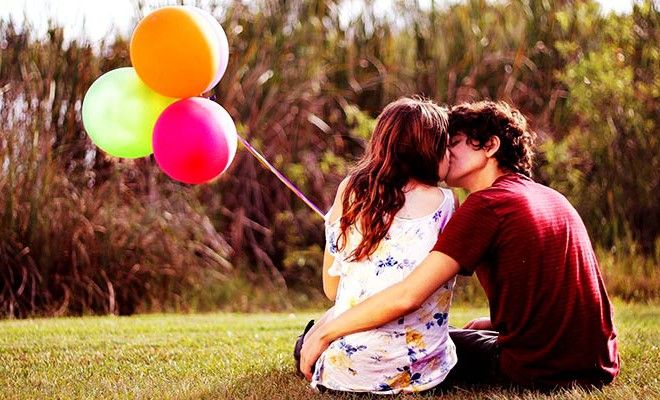 Aşık Çiftlerin Yapması Gereken 11 Tatlı Şey!