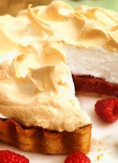 Low FODMAP & Gluten free Recipe -  Raspberry meringue  pie  http://www.ibssano.com/low_fodmap_recipe_raspberry_meringue_pie.html
