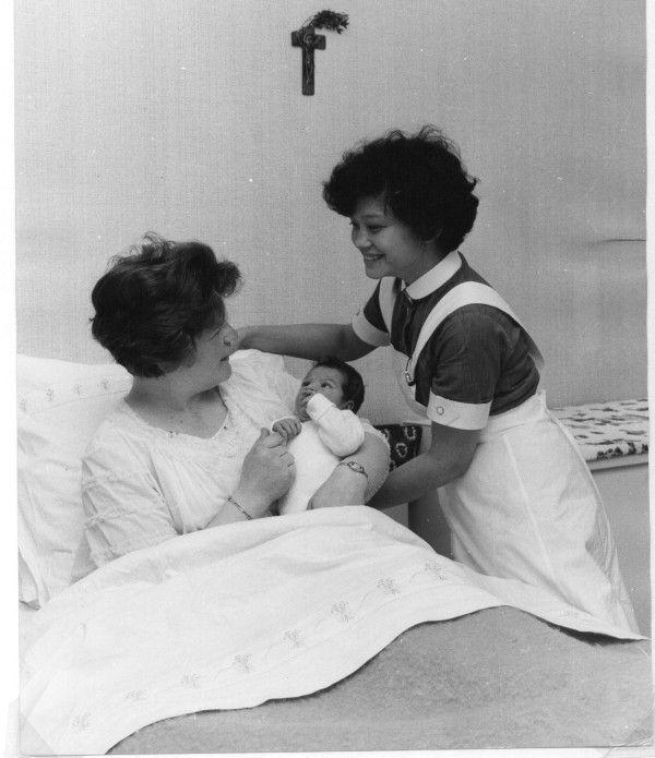@FNIZetten Kraamverzorgster zorgt voor moeder en kind in de jaren '60. #collectievissen #nieuwleven De thuisbevalling is een  http://t.co/gpShep3u
