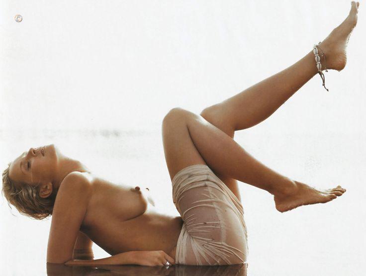 Monika Mrozowska - Playboy 10.2004 (2000×1509)