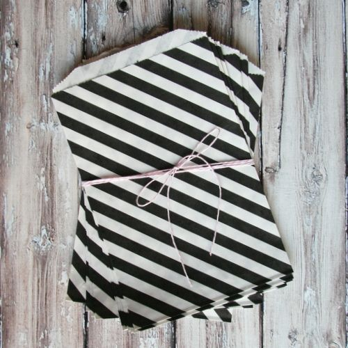 black diagonal striped favor bags.