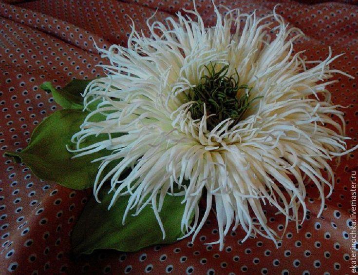"""Купить Брошь. Заколка из фоамирана """"Астра айвори"""" - белый цветок, белая астра, цветок айвори"""