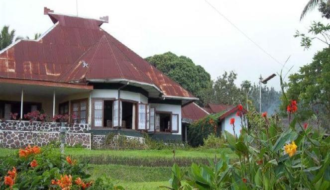 Rumah kuno di kawasan Guci Alit.