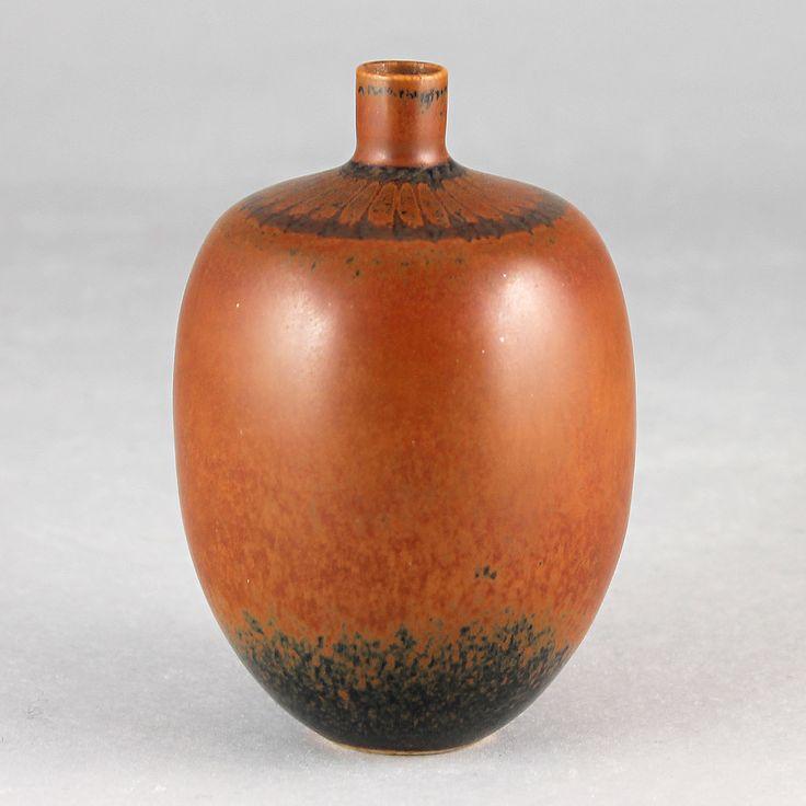 Stig Lindberg (1982) Unique Russet Brown Vase