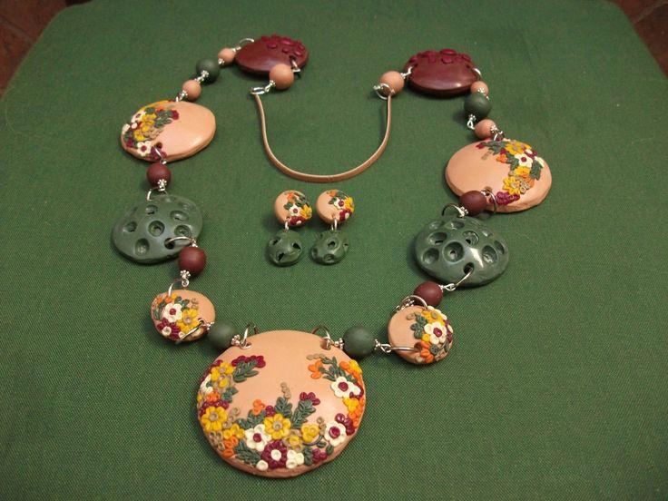 conjunto de collar largo y pendientes de boton largos de ARTESANIAALMA en Etsy