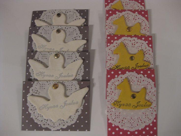 Joulun pakettikortteja. Taikataikinasta tehdyt keinuhevoset ja enkelit.