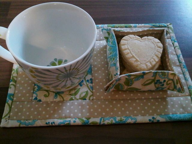 Mugrug & Hostess box set (pattern available by Just Jude Designs, Etsy)