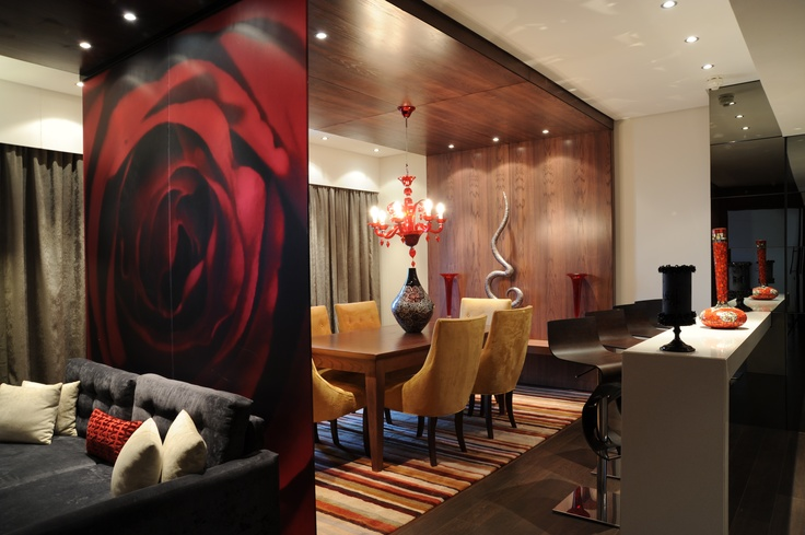 Hotel -Crowne Plaza Johannesbur - The Rosebank - Accommodation -The Ultimate Suite has a dining area and kitchen allowing you to play host for business meetings or for an intimate dinner for friends.
