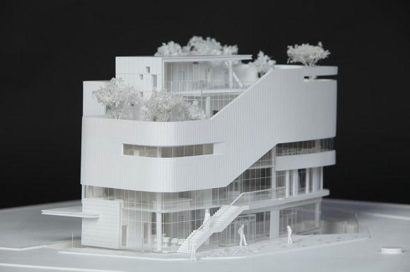 상계2동 공공복합청사 현상설계 모형입니다. 곡선이 잘 어우러진 외벽과 옥상정원이 인상적인 작품입니다. 아크릴을 불에 구워서 휘어진 외벽을 표현하는데 힘을 쓴 작품이기도 합니다. 당선을 기원합니다!