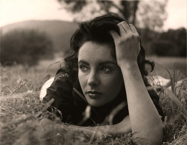 Elizabeth Taylor, 1956, Peter Basch /// What a great shot of the one-and-only. The intimacy here is so close to being with her in real life, lovers on a stroll somewhere...