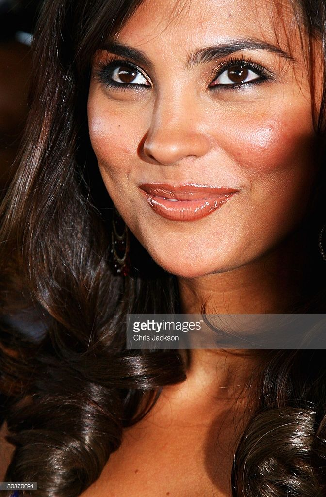 Lara Dutta arrives at the Zee Cinema Awards 2008 at the Excel centre on April 26, 2008 in London, England.