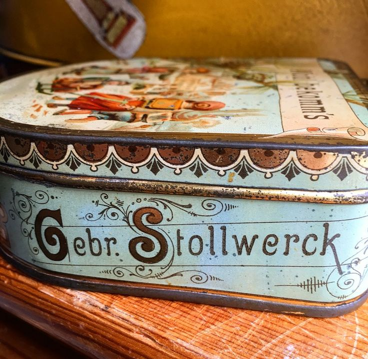 Stollwerck breakfast biscuit tin 1894. Köln, Germany