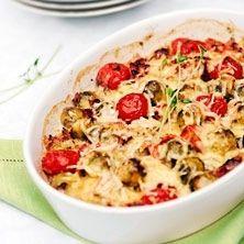 Skinklåda med brysselkål och tomat - Recept - Tasteline.com