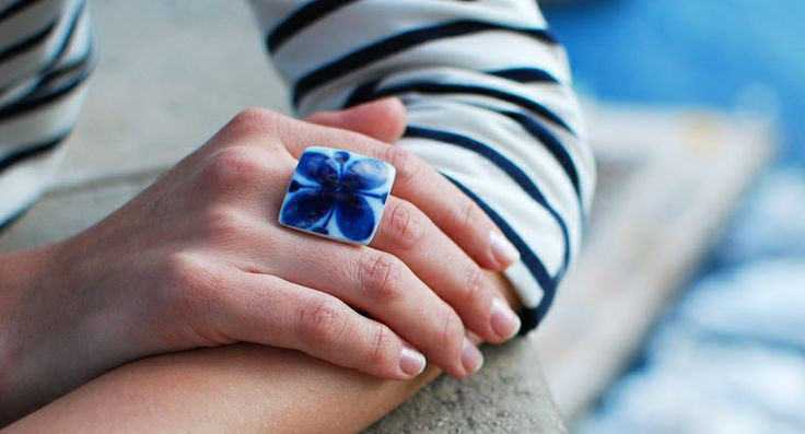 Ring Mon Amie - Ring manufactured from recycled porcelain.