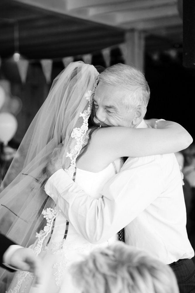 Bruidsfotografie door Chantal Tak Fotografie, bruiloft Rick en Marieke in 't Reghthuys te Uitgeest #fotograaf #Alkmaar #omgeving #Heemskerk #Uitgeest #WijkaanZee #rijkaanzee #NoordHolland #Bruiloft #trouwen #ophetstrand #receptie #ceremonie #trouwreportage #bruidsreportage #foto's #trouwfoto's #fotoshoot #bruidsjurk #sluier #kant #bruidspaar #fotoshoot