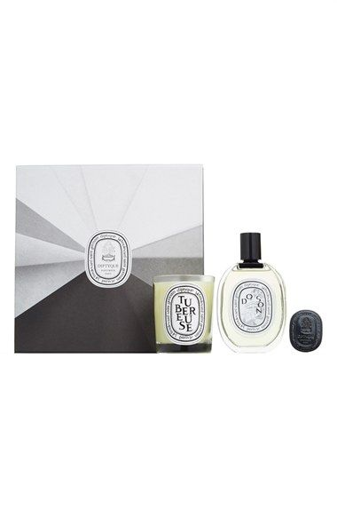 diptyque 'Do Son & Tubéreuse' Set ($233 Value) available at #Nordstrom $185.00 Item #1125818   Close your eyes and experience a pagoda on the edge of the Gulf of Tonkin with a limited-edition set by diptyque that pairs Do Son, a floral fragrance embraced by sea breeze, with Tubéreuse, its companion, that explores the tuberose flower.  Set includes:  - Tubéreuse Candle (6.5 oz. and 60-hour burn time)  - Do Son Eau de Toilette (3.4 oz.)  - Do Son Solid Perfume (0.14 oz.)      By diptyque; made…